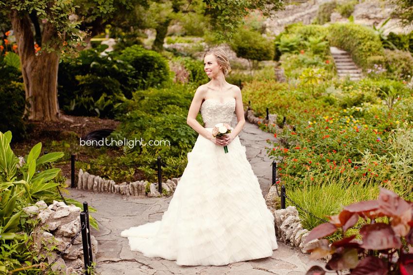 03 san antonio tx bridal portraits japanese tea gardens • Bend The Light